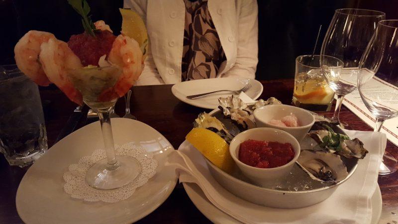 metropolitan-grill-seattle-prawns-oysters