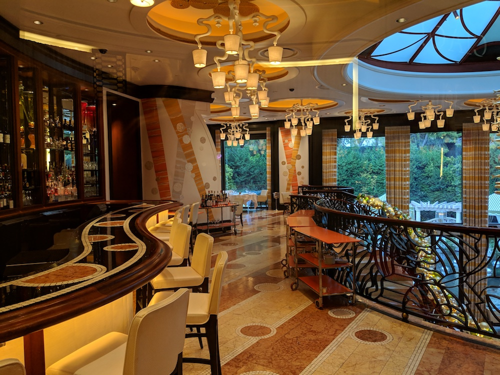Bar and Lounge at Costa di Mare